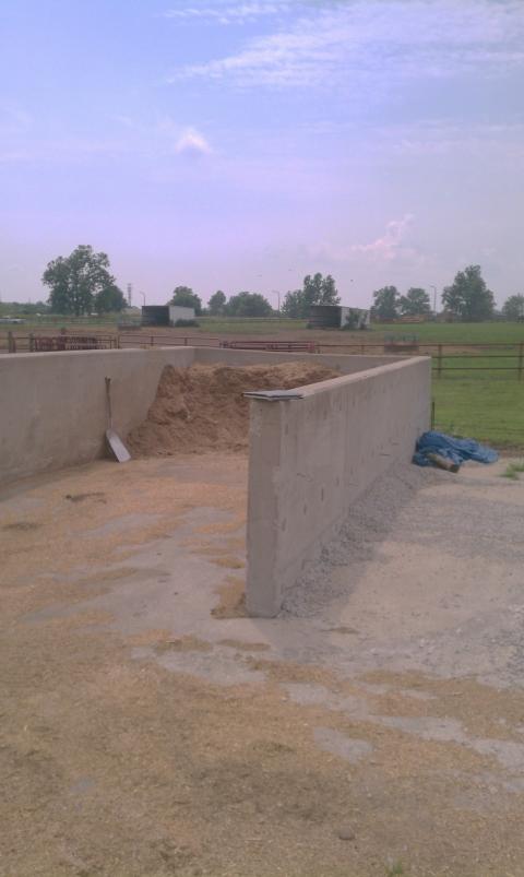 Horse Farm sawdust Bin