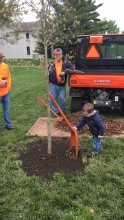 Future Illini adds soil to Arbor Day tree